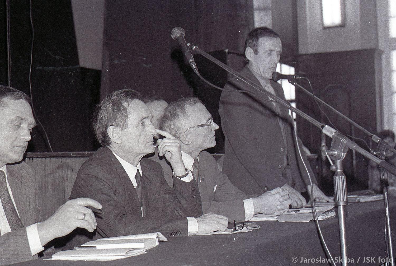 Min. edukacji narodowej prof. Henryk Samsonowicz w Kępnie 1990 r. fot. ze zbiorów Jarosława Skiby